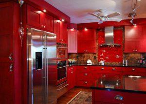 قرمز در آشپزخانه